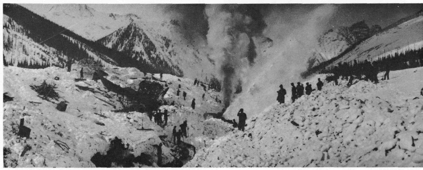 Alud-de-nieve-Rogers-Pass-1910-1_
